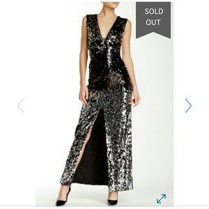 V neck sleeveless all over sequins dress